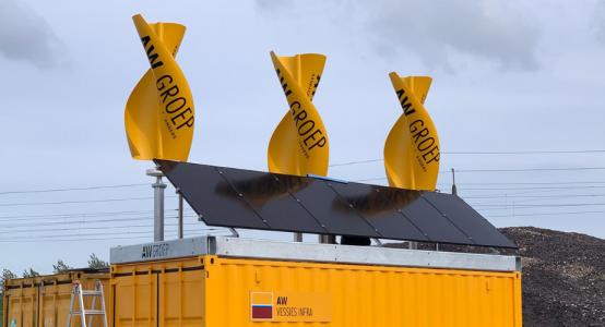 Windwokkel-van-composiet-zonnepanelen-duurzame-unit-bouwplaats_AW-Groep-GreenHybrids-Holland-Composites