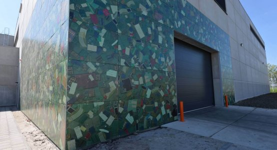 Composite-wallpanel-facade-cladding-wall-panel-inlay-translucent-transparent-Jacomij