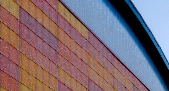 composiet-gevel-composite-facade-wallpanel-carbon-wall-cladding-fassadenverkleidung-wandpaneel-gevelbeplating-lichtgewicht-lightweight-sportcentrum-universiteit-Amsterdam-Raficlad-USC