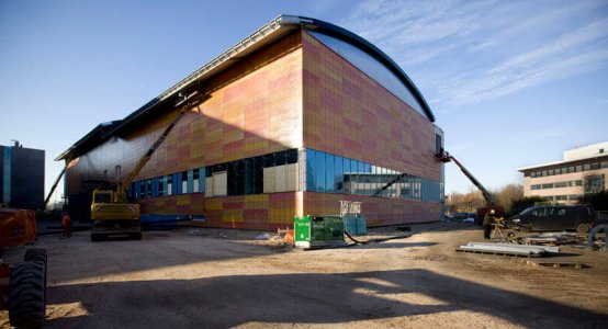 Composiet-gevel-Composite-facade-wallpanel-carbon-wall-cladding-fassadenverkleidung-wandpaneel-gevelbeplating-gevel-lichtgewicht-lightweight-sportcentrum-universiteit-Amsterdam-Raficlad-USC