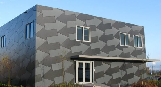 Holland-Composites-transparant-Raficlad-facade-wallpanel-composite-composiet-kantoor-building-gevel-beplating-wandpaneel-Jan-Snel-Transport-Montfoort