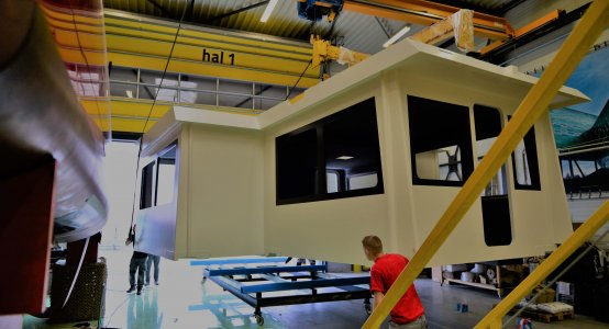 Holland-composites-lightweight-deckhouse-composite-maritime-manufacturer-shipbuilding-reducing-weight-reduction-shipyard-boat-builder-building-company