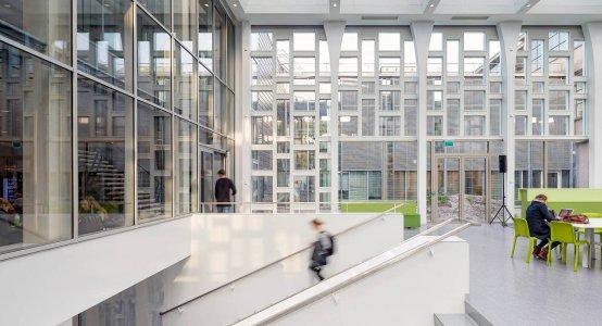 Earthquake-resistant-composite-facade-aardbeving-bestendig-gevel-gebouw-erdbebensichere Fassade-Wiebengacomplex-building-Holland-Composites