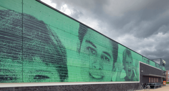 Holland-Composites-gevel-van-composiet-met-fotoprint-wandpanelen-wandpaneel-retail-winkel-raficlad-wandbekleding-facade-print-printing-plus-bristol-klazinaveen