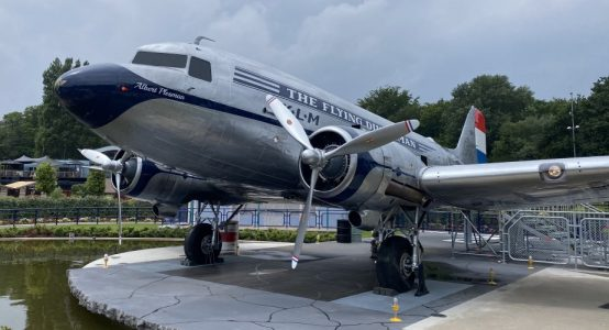 Flying-Dutchman-Madurodam-Dakota-DC3-carbon-propellerbladen-restauratie-door-Holland-Composites