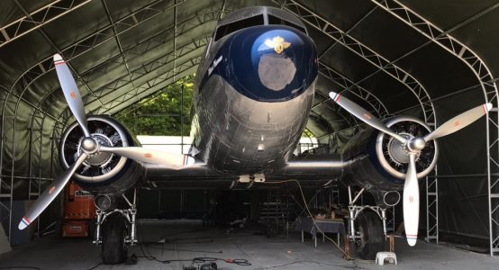 Holland-Composites-DC3-Douglas-Dakota-carbon-propellers-restauratie-Madurodam