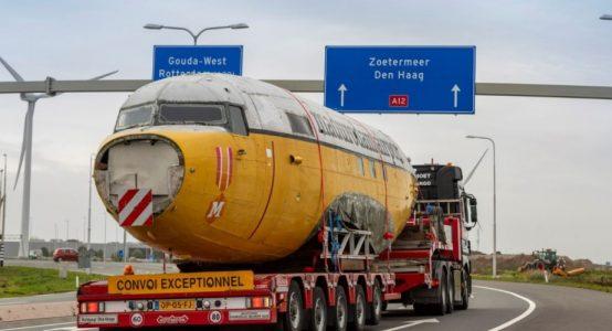 Madurodam-haalt-Dakota-naar-Nederland-transport-over-de-weg