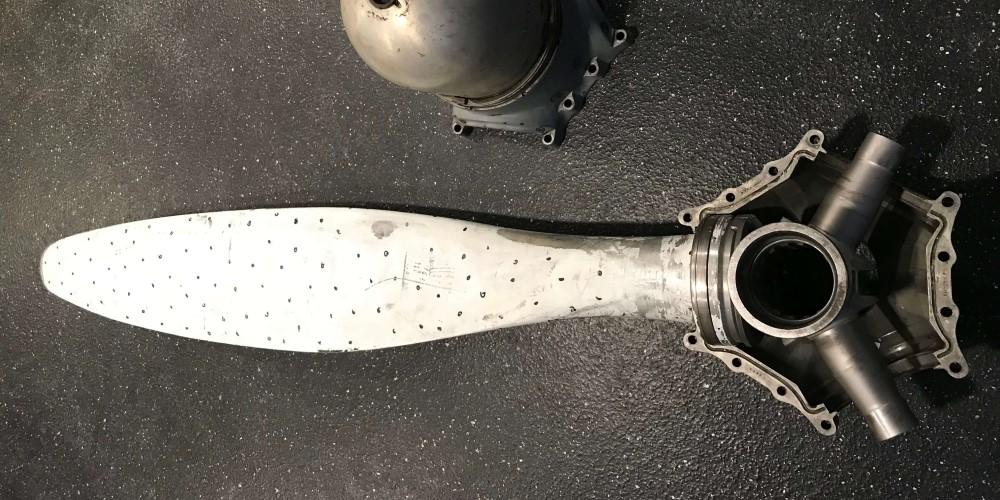 Originele-propeller-Douglas-DC3-Dakota-metaal-restaureren-Holland-Composites