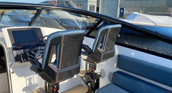 Carbon-epoxy-sandwich-stoel-luxe-jachten-tenderboten-pilot-seats-ambience8-CoverWorks-Wajer-Holland-Composites