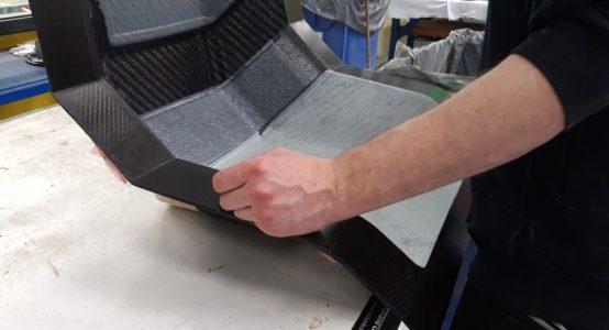 Carbon-epoxy-sandwich-stoel-luxe-jachten-tenderboten-pilot-seats-productie-Holland-Composites