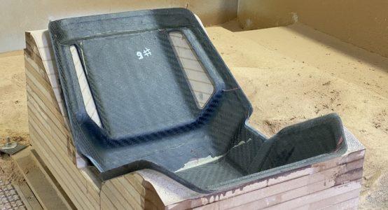 Carbon-epoxy-sandwich-stoel-luxe-jachten-tenderboten-pilot-seats-productie-cnc-freesmachine-Holland-Composites