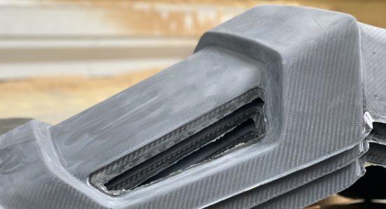 Carbon-epoxy-sandwich-stoel-luxe-jachten-tenderboten-pilot-seats-serieproductie-voor-het-nafrezen-Holland-Composites